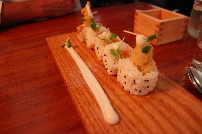 Hakujin roll: salmon, white asparagus, pear, cauliflower puree